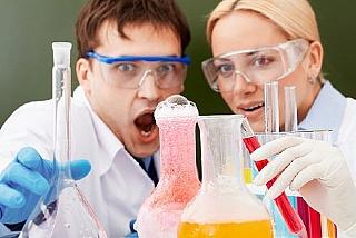 מדוע מתרחשות תגובות כימיות